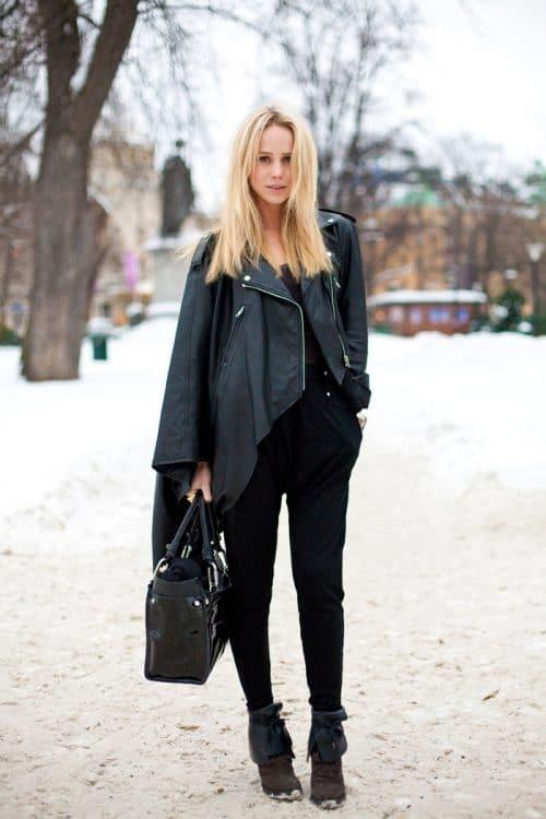 パンツスタイルのスウェーデンファッション