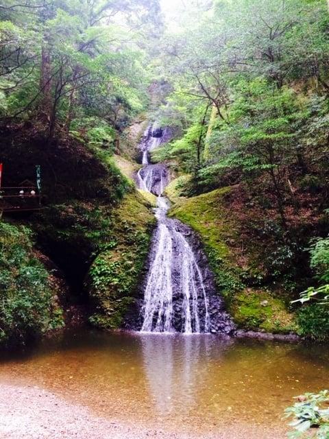 パワースポットの滝