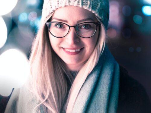 ニット帽を被ったノルウェーの女性
